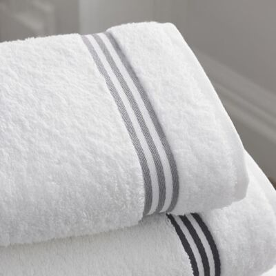 Benefits of using RFID in the laundry sector 1